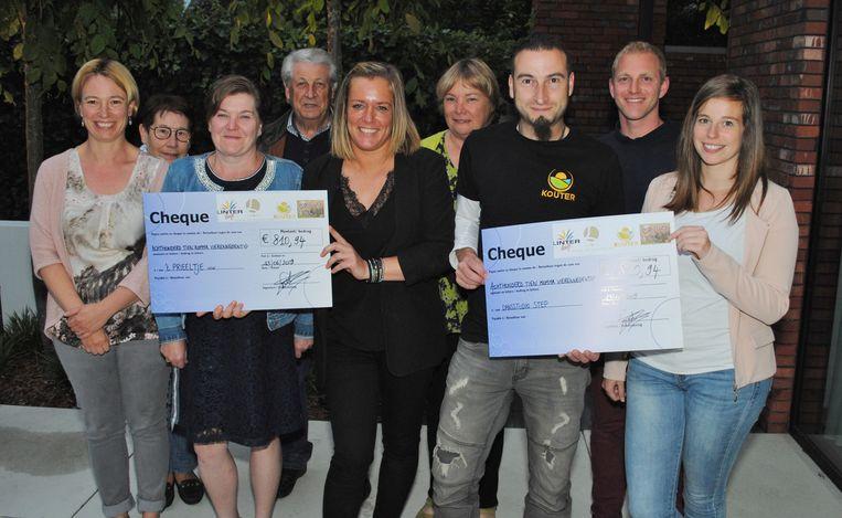 't Prieeltje en Dansstudio Step Wellen namen graag de cheque in ontvangst.