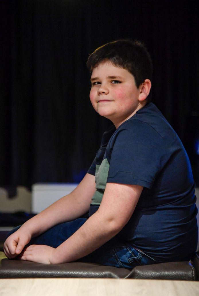 De 11-jarige Milan schittert nu in de musical 'The Little Mermaid'. In 2012 was hij ook al te zien in 'Belgium's Got Talent' op VTM als Urbanus-look-alike (inzet).