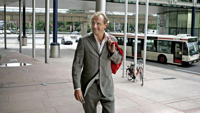 De Vlieger, die vanochtend al zeer vroeg zelf in de rechtzaal aanwezig was, zou in de zomer van 2002 betrokken zou zijn geweest bij afpersing. Foto ANP Beeld