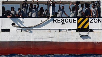 """Reddingsschip Open Arms aangekomen in Spanje: """"60 mensen gered, maar het hadden er 270 kunnen zijn"""""""