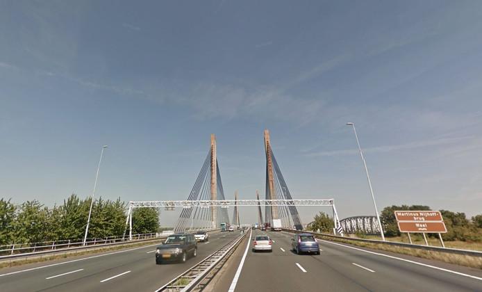 De Martinus Nijhoffbrug bij Zaltbommel.
