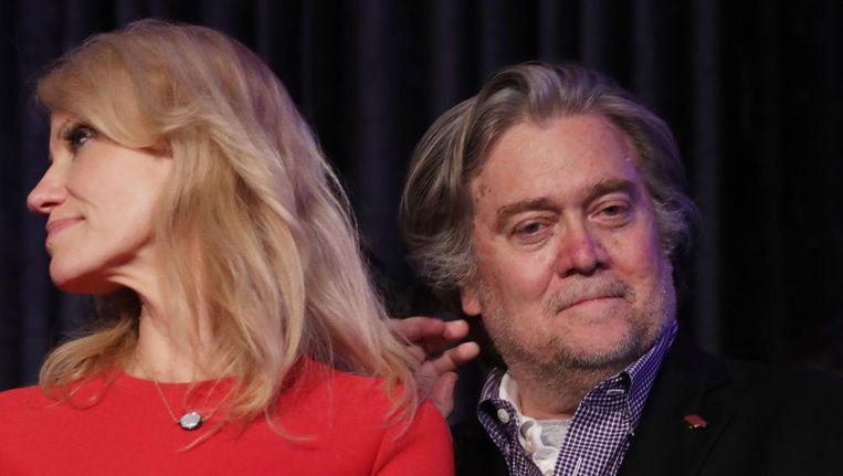 Trumps campagnemanager Kellyanne Conway en zijn campagne-CEO Steve Bannon Beeld afp
