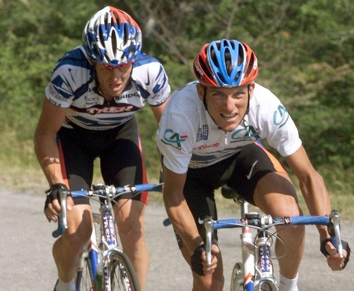 Tyler Hamilton en Lance Armstrong als concurrenten tijdens de Dauphiné in 2003.