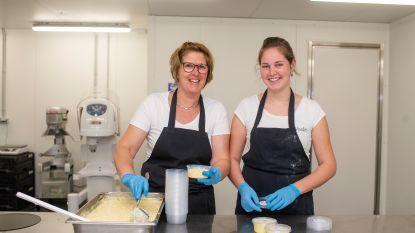 """Mama en dochter bereiden ijsdesserten die je doen watertanden in 't Voske in Kalmthout: """"Werken met producten van lokale boeren is geweldig"""""""