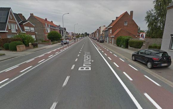 Twee bushaltes in de Brugsestraat worden omgevormd tot busperrons.
