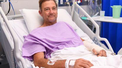 Aussie wandelaar kruipt twee dagen met gebroken been door woestenij naar zijn redding