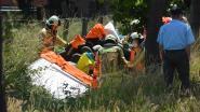 Bestuurder (71) zit vast in Mercedes na ongeval