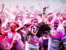 Kleurenpoeder-hardloopwedstrijd voor mensen met kanker