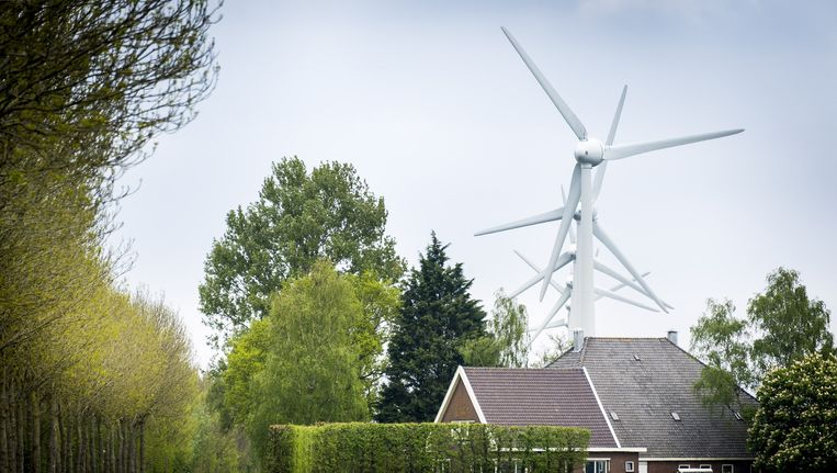Windmolens in het Nederlandse landschap. Beeld ANP