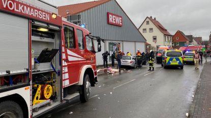 LIVE. Bestuurder (29) rijdt opzettelijk in op toeschouwers bij Duitse carnavalsoptocht: dertig gewonden, onder wie kleine kinderen