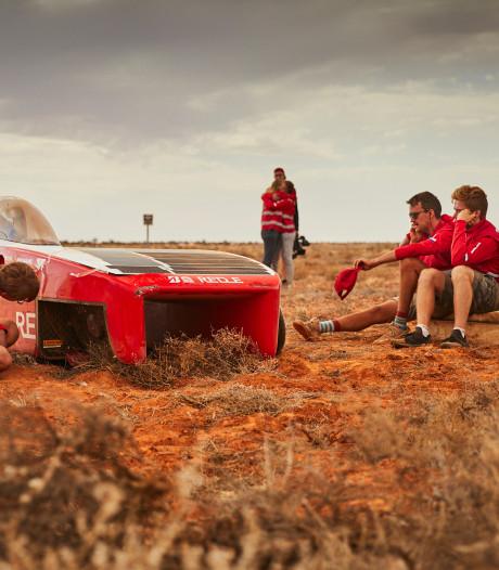 Peperdure zonneauto eindigt in greppel: einde Solar Team Twente in zicht?