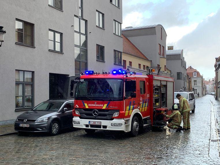 Toen de brandweer aankwam, was de brandende zetel net geblust door de bewoonster.