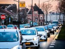 Dordtse ochtendspits nóg drukker door regen en ongeluk bij Rotterdam