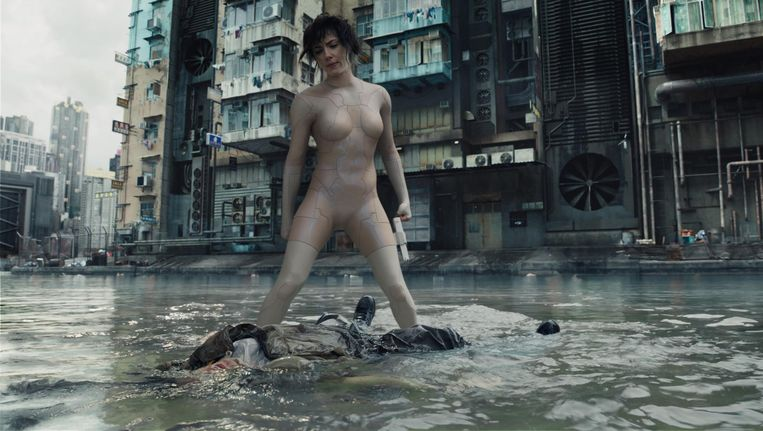Scarlett Johansson in Ghost in the Shell Beeld Paramount Pictures