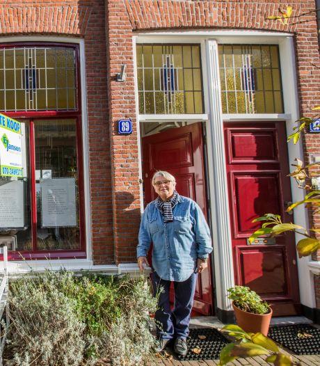 Ingrid verkoopt haar beneden- én bovenwoning in Den Haag: 'Spannend huis met speelse indeling'
