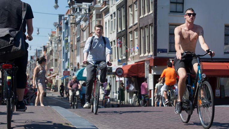 De Haarlemmerdijk en de Haarlemmerstraat gelden al lang als de 'zwakke schakel' in het fietsnetwerk van Amsterdam Beeld anp