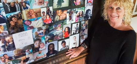 Achttien pleegkinderen in huis: 'Als je zo'n knuffel krijgt, voel je: hier doe je het voor'