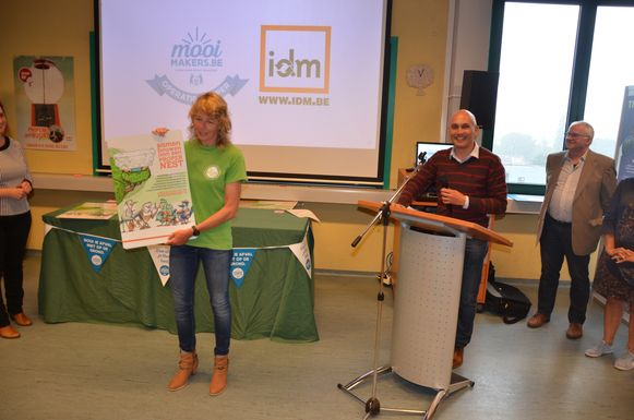 Uit Zele kreeg onder meer basisschool De Kleuterkouter een certificaat voor haar inspanningen in de strijd tegen zwerfvuil.
