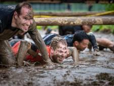 Ondanks coronacrisis met z'n allen door de modder kruipen: Mud Masters in Biddinghuizen kan doorgaan