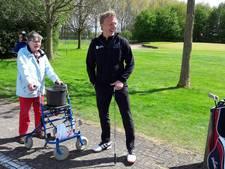 Dirk Kuyt inspireert gehandicapte golfspelers in Zoelen