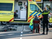 Twee fietssters raken gewond bij aanrijding met auto in Rheden