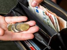 Goudeerlijk: jongens brengen volle portemonnee met 730 euro netjes naar politiebureau in Oosterhout