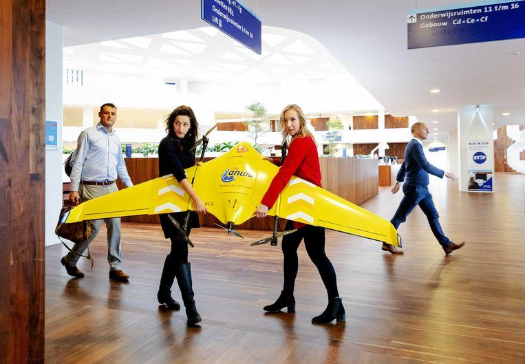 Het samenwerkingsverband Medical Drone Service, waarbij Erasmus MC, Sanquin, ANWB en PostNL kijken hoe drones ingezet kunnen worden voor het vervoer van onder meer bloed en medicijnen. Beeld ANP