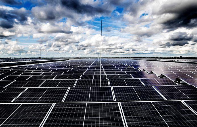 Zonnepanelen, een van de populaire manieren om duurzame energie op te wekken. De gemeente Moerdijk promoot deze mogelijkheid.