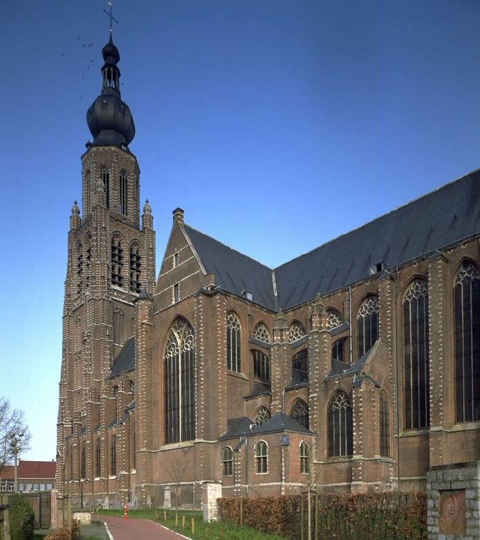 Het schip van de kerk zal binnenkort gerestaureerd worden.