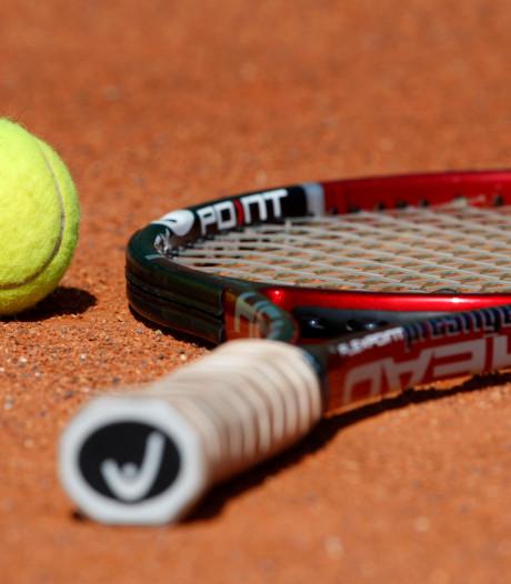 Ewijkse tennisvereniging start met OldStars tennis: bal mag twee keer stuiteren