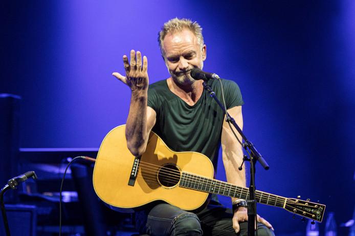 Sting, wiens echte naam Gordon Matthew Thomas Sumner luidt, raakte bij het grote publiek bekend met de band The Police maar ging medio jaren tachtig solo verder.