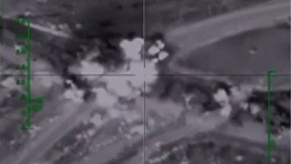Beeld van een Russische luchtaanval op stellingen van terreurgroep Islamitische Staat.