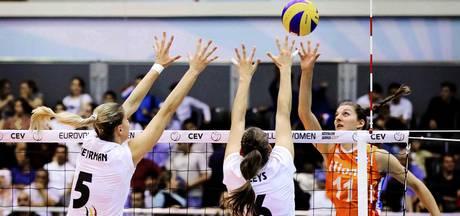 Volleybalsters beginnen EK met zege op zuiderburen