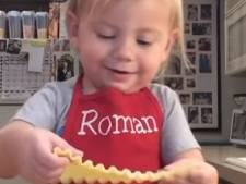 Lekkerbekje Roman (2) verovert harten met kookvideo's