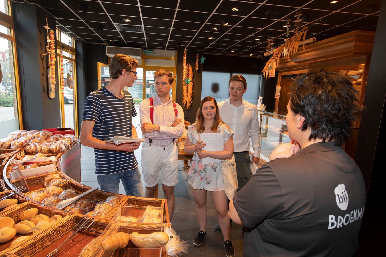 Studenten doen toeristisch onderzoek in Someren