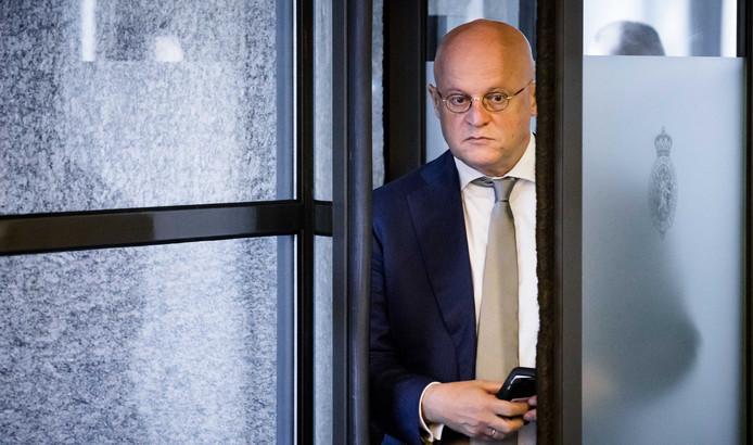 Minister Grapperhaus Belt Met John Van Den Heuvel