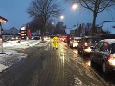 Massaal in de rij voor goedkope brandstof in Doetinchem
