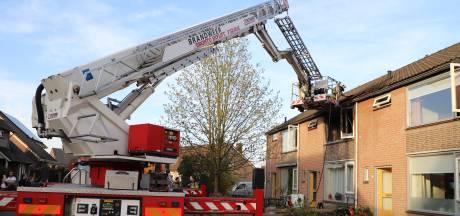Brand verwoest voorzijde van woning in Haaften