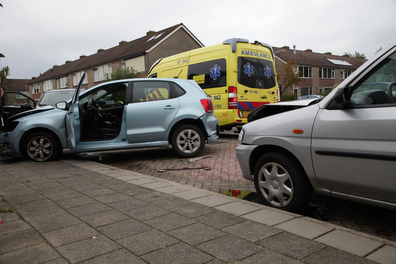 De politie heeft de bestuurder aangehouden en verdenkt hem van poging tot doodslag dan wel moord.