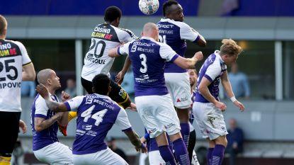 Twee achteloze penalty's en een schitterende streep: Beerschot-Wilrijk en Lokeren houden elkaar in evenwicht