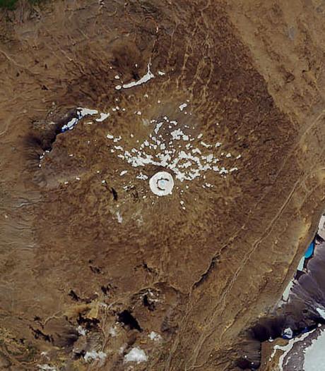 Monument voor eerste IJslandse gletsjer die verdween door klimaatverandering