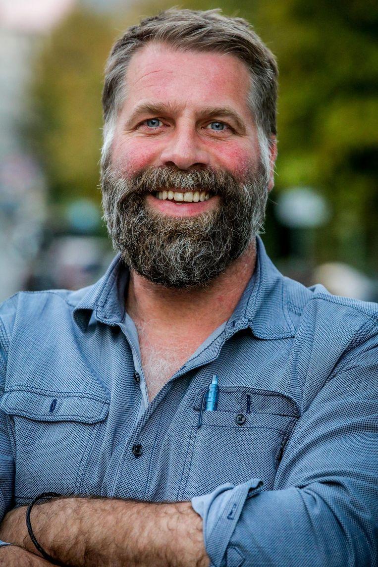 Maandag had Bram Degrieck nog een volle baard.