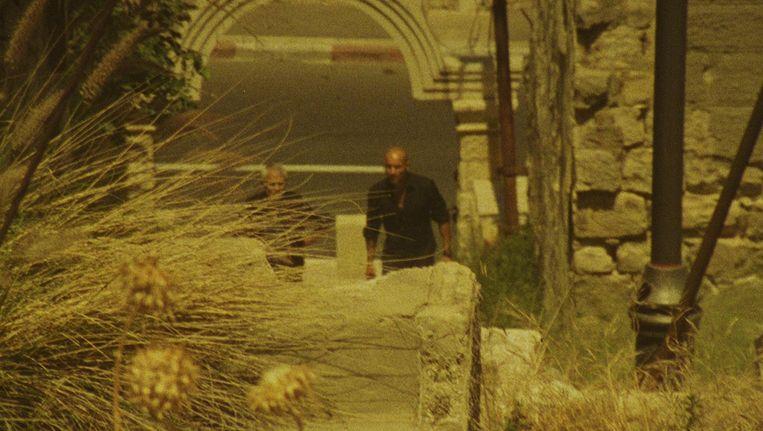 WesternArabs bevat homevideo-beelden vanaf 2004 en geeft pijnlijk precies de relatie tussen Omar Shargawi en zijn vader Munir. Beeld /