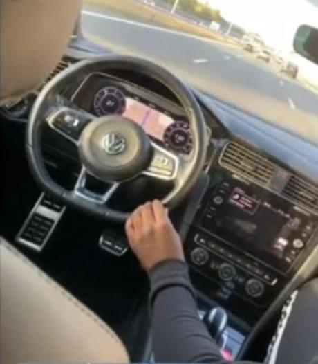 Levensgevaarlijk: jongens rijden zonder bestuurder over snelweg bij Eemnes