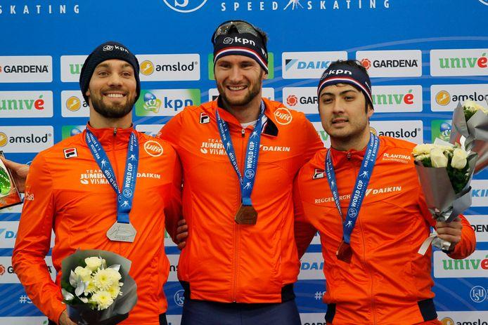 Een volledig Nederlands podium op de 1000 meter tijdens de wereldbekerwedstrijden in het Kazachstaanse Nur-Sultan. Thomas Krol (m) won, Kjeld Nuis werd tweede en Kai Verbij pakte brons.
