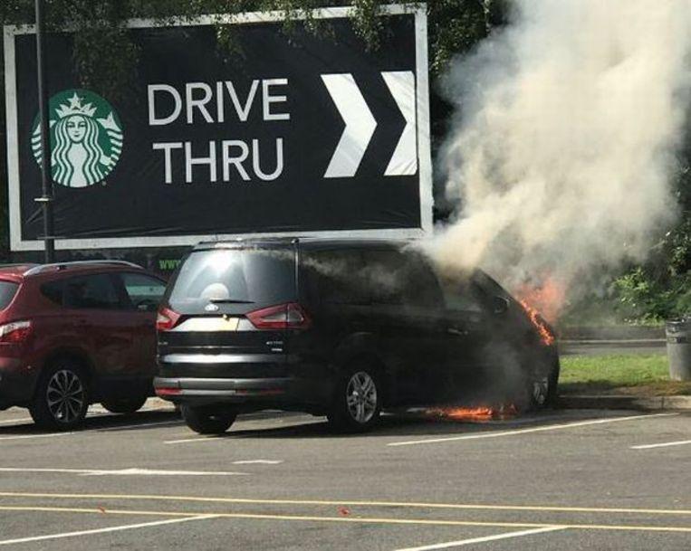 Bij de Ford Mondeo, Galaxy en S-Max kan de motor in brand vliegen door lekkend accuzuur.