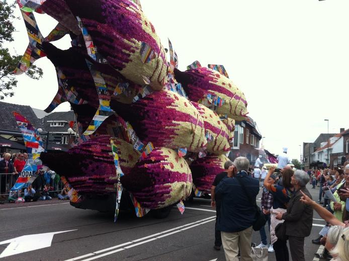 Corsowagen 9 buurtschap Kerkakkers met Bouillabaisse en plastique
