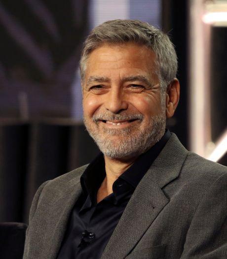George Clooney knipt al 25 jaar zijn eigen haar