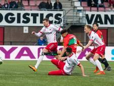 Tiental Helmond Sport lijdt tegen titelkandidaat NEC vijfde nederlaag op rij