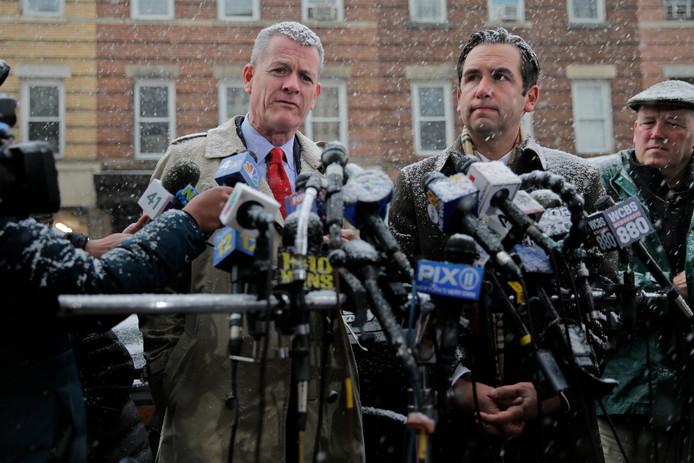 Le maire de Jersey City Steven Fulop (à droite) et le chef de la police James Shea.